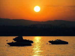 Photo: Sunrise in Peschiera del Garda - Italy  #lagodigarda  #italy  #lakegarda  #sunrise   http://www.gardafriends.com/beleef-magische-momenten-aan-het-gardameer/