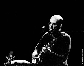 Photo: John Scofield at the 2001 Montreal Jazz Festival