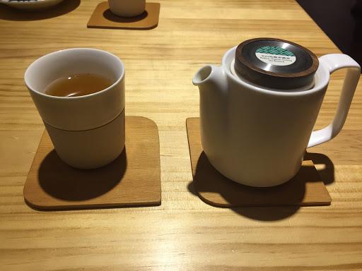 茶好喝  氣氛好 店員熱心親切