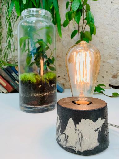 lampe à poser en béton