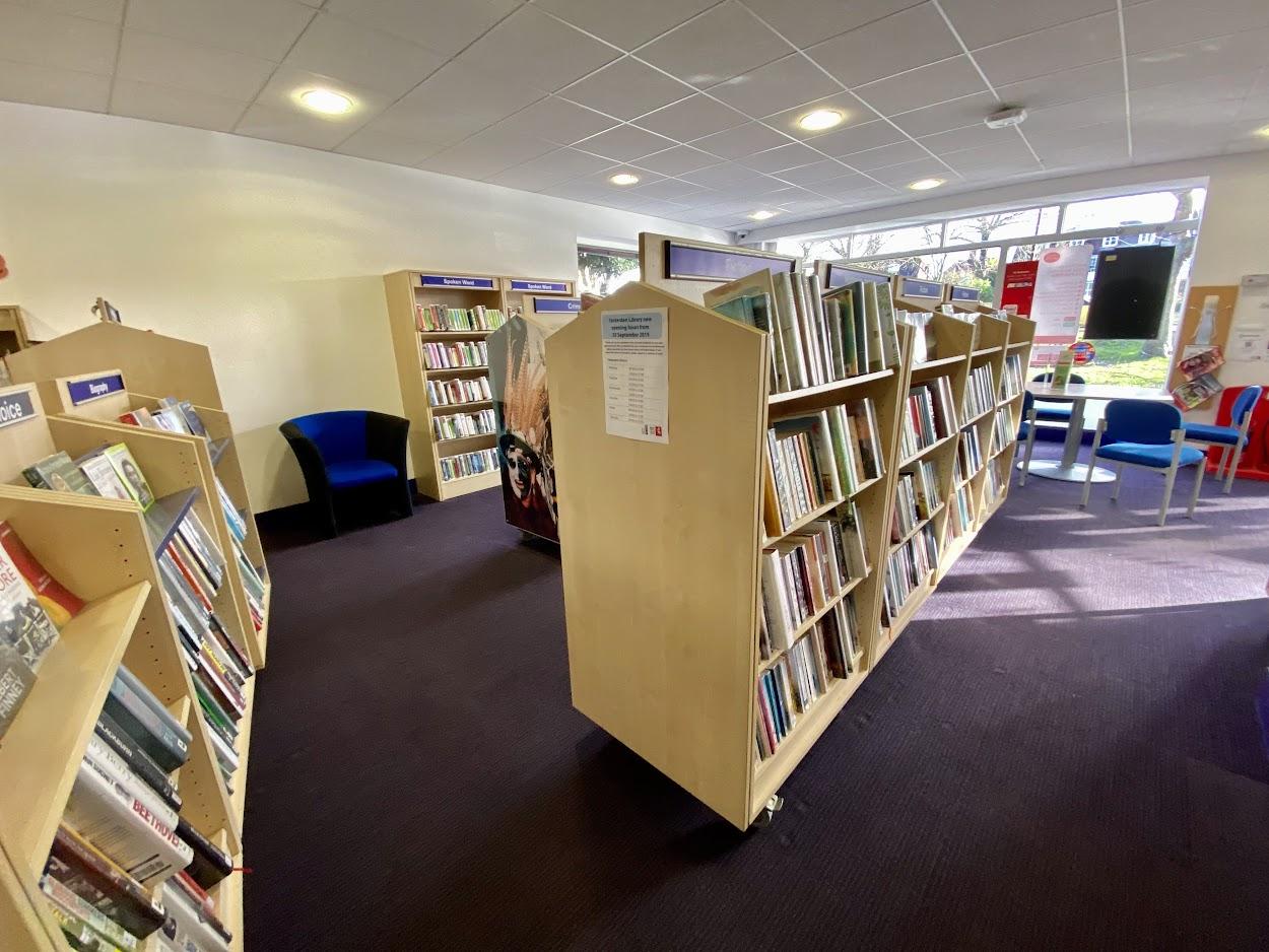 Tenterden Gateway and Tenterden Library