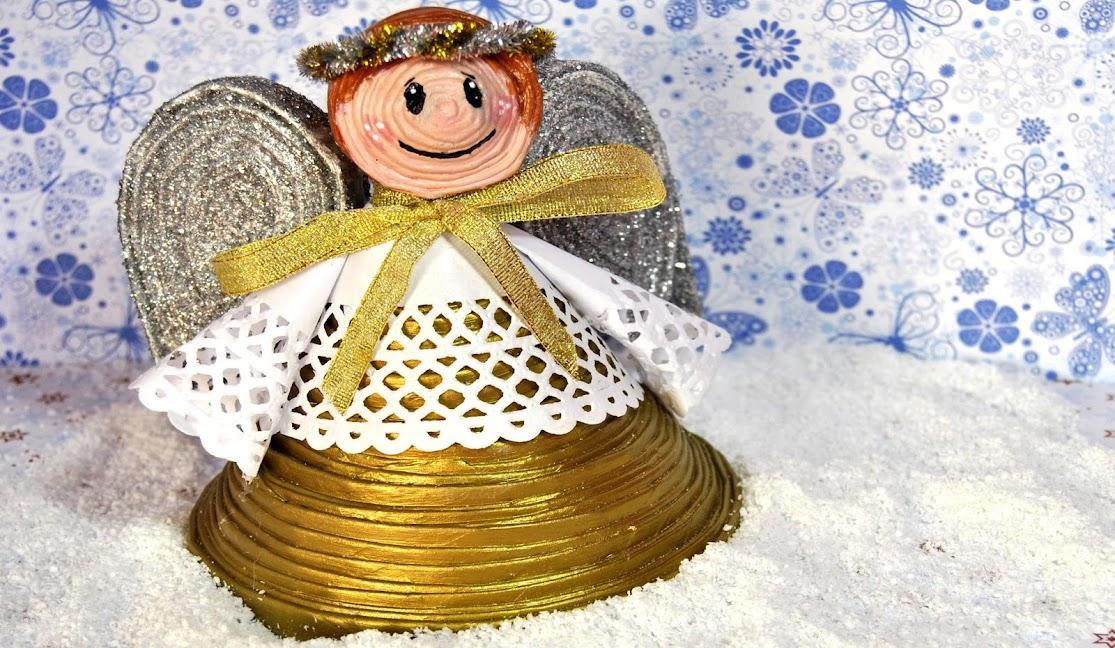 Manualidades De Navidad Campanas.Adornos Navidenos Con Periodico Campana Y Angelito