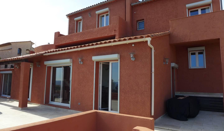 Maison avec jardin et terrasse Antheor