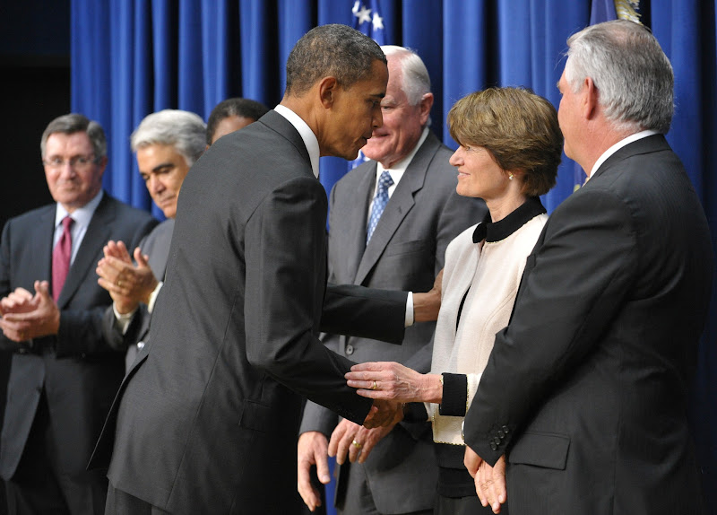 """Photo: US President Barack Obama greets former astronaut Sally Ride after speaking on the expansion of his """"Educate to Innovate"""" initiative September 16,2010 in the South Court Auditorium of the Eisenhower Executive Office Building next to the White House in Washington, DC. AFP PHOTO/Mandel NGAN (Photo credit should read MANDEL NGAN/AFP/Getty Images)"""