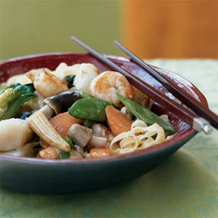 Braised Seafood and Vegetable Noodles Recipe