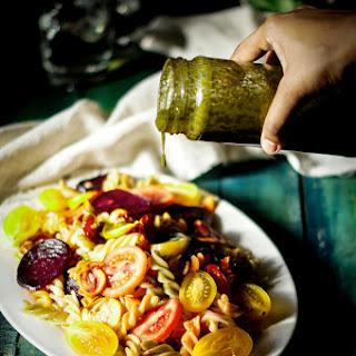 Basil Vinaigrette – Simple salad dressing.