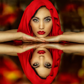 Rouge by Laura Stoica - People Portraits of Women