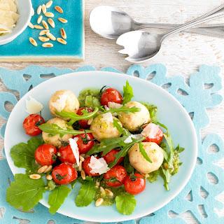 Rucola-Salat mit gebratenen Cocktailtomaten