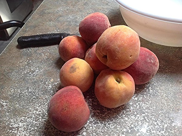 You will need tender ripe peaches to make this pie, I used about 11....