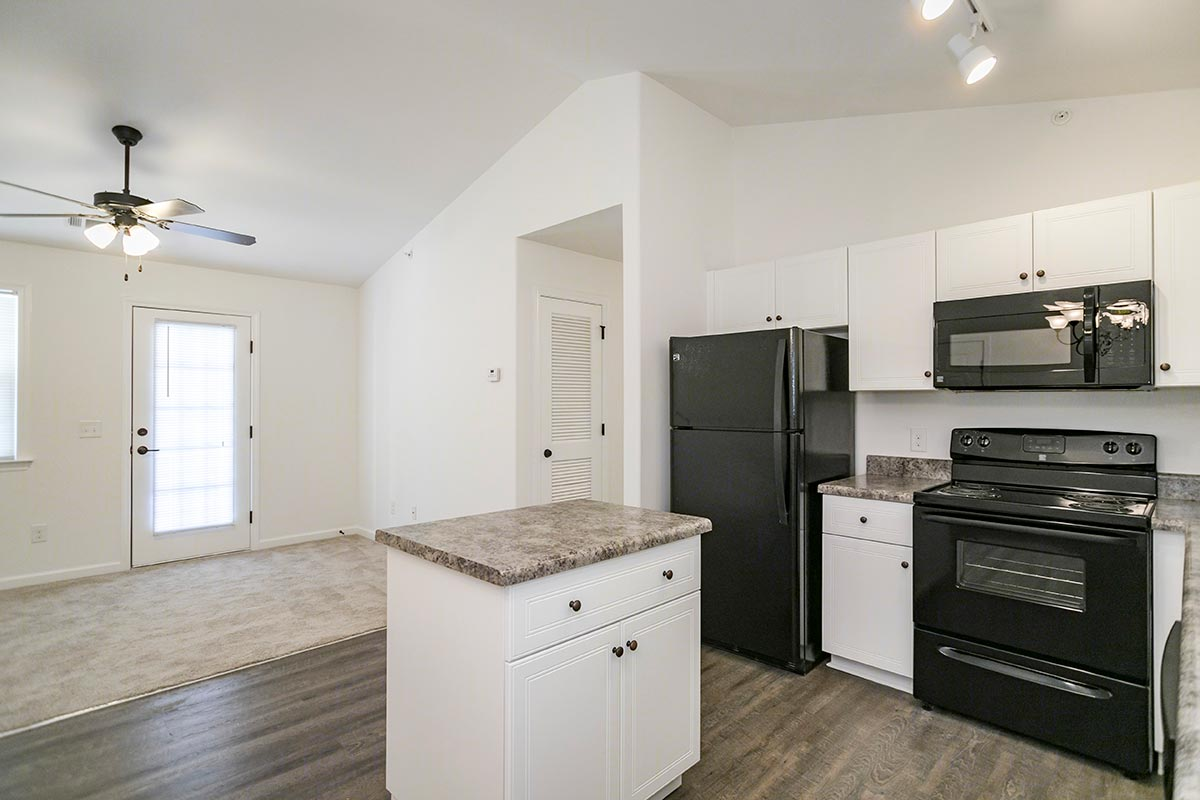 Two bedroom with patio balcony helena springs apartments - 3 bedroom apartments in augusta ga ...