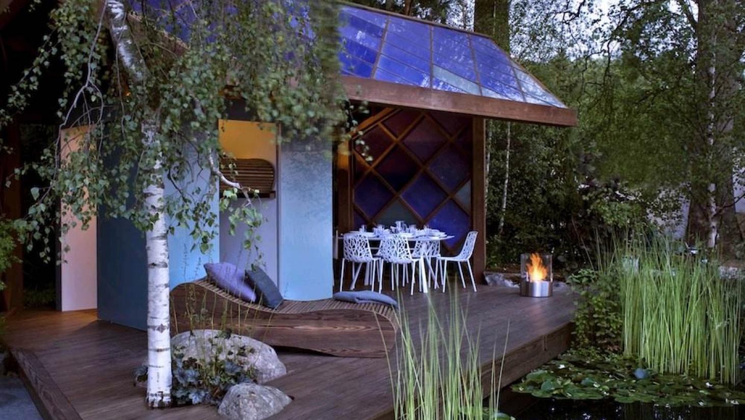 Med en seng som denne her lavet af træ vil din tagterrasse få et unikt udseende.