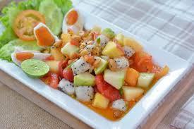 1. ส้มตำผลไม้ 04