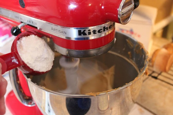Now add sifted powdered sugar and meringue powder (if you're using it) and blend...
