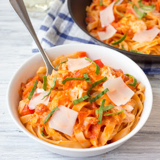 15 minute Creamy Tomato Fettuccine with Salmon