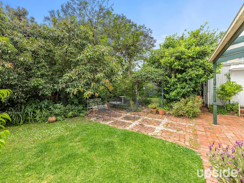 Photo of property at 6 Ailsa Grove, Ivanhoe 3079