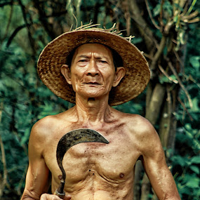 by Dexyogi Shang Serigalahitam - People Portraits of Men