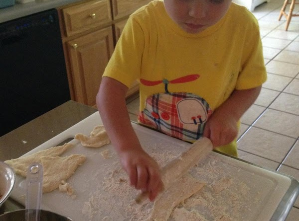 Separate individual crescent rolls.  On a floured cutting board roll to 1/4 inch thickness....