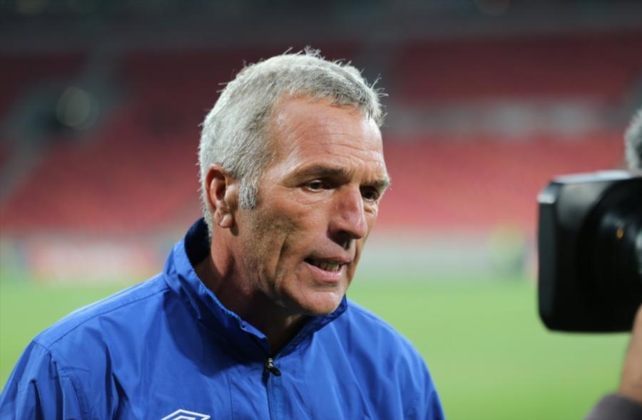 Ernst Middendorp blameer Fifa-breek en MTN8-semis vir nederlaag