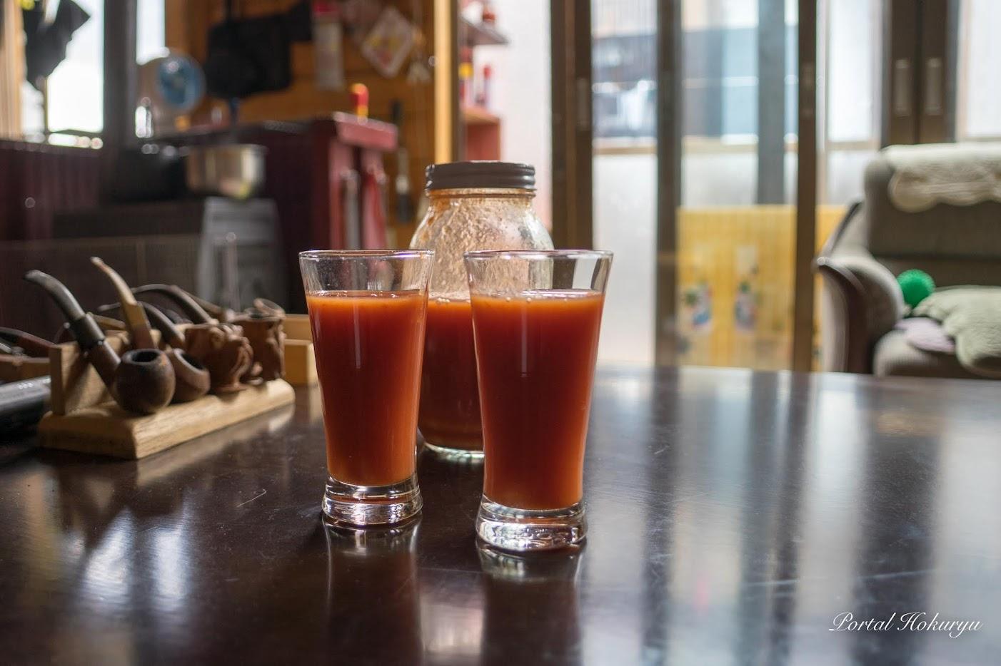 お母さんお手製の美味しいトマトジュース
