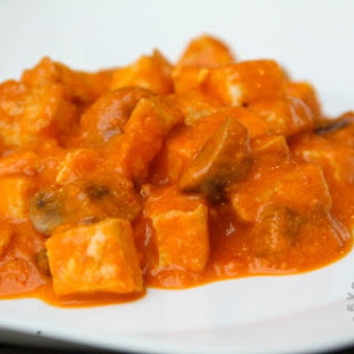 Indian Tomato Curry (gluten-free, contains dairy).