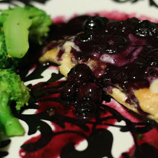 Chicken Cutlets with Fontina and Fresh Blueberry Sauce (5 WW+ Points)