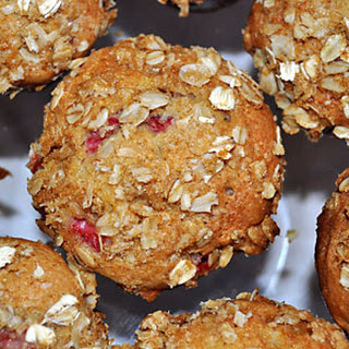STRAWBERRY MUFFINS WITH OAT-STREUSEL TOPPING