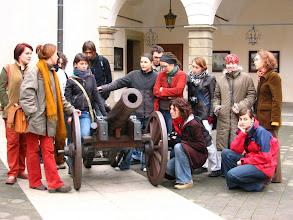 """Photo: Niepołomice 6.11.2004 r. wycieczka w ramach projektu """"Parki i ogrody ..."""" grupa z klas 3"""