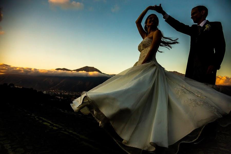 Wedding photographer Victor Rodriguez urosa (victormanuel22). Photo of 19.03.2019