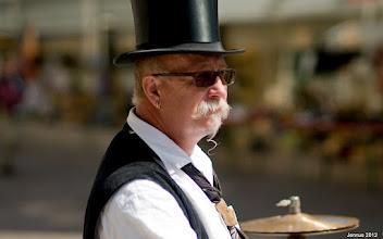 Photo: Organ grinder with Chapeau Claque