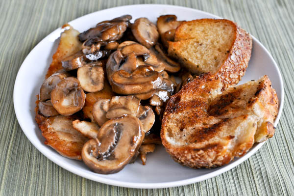 Caramelized Chicken with Mushroom Sauce and Grilled Herb Bread Recipe