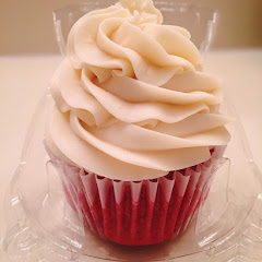 Red velvet cupcake... no words to describe how good it was.