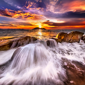 Pesona Ombak Senja by Dany Fachry - Landscapes Waterscapes