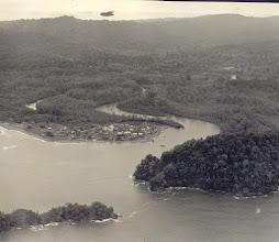 Photo: Nuquí, vista aerea, 1958 aprox. Tomada por el piloto Joseph Morris (qepd), esposo de Perla Ruiz A. (Se publica esta foto: Oct. 2009)