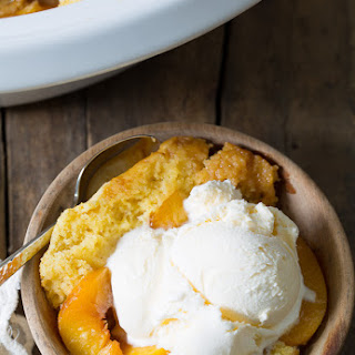 Slow Cooker Peach Cobbler