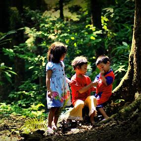 :: Friendship :: by Putu Ekak - Babies & Children Children Candids
