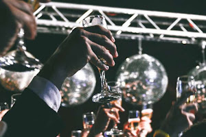 New Years DJ For Hire In Hertfordshire | Platinum Disco