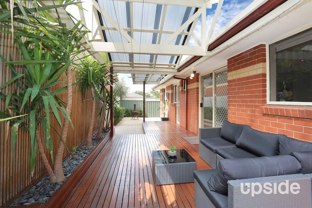 Main photo of property at 11 Garry Court, South Morang 3752