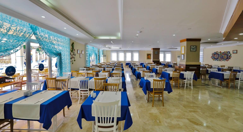 Club Big Blue Suit Hotel