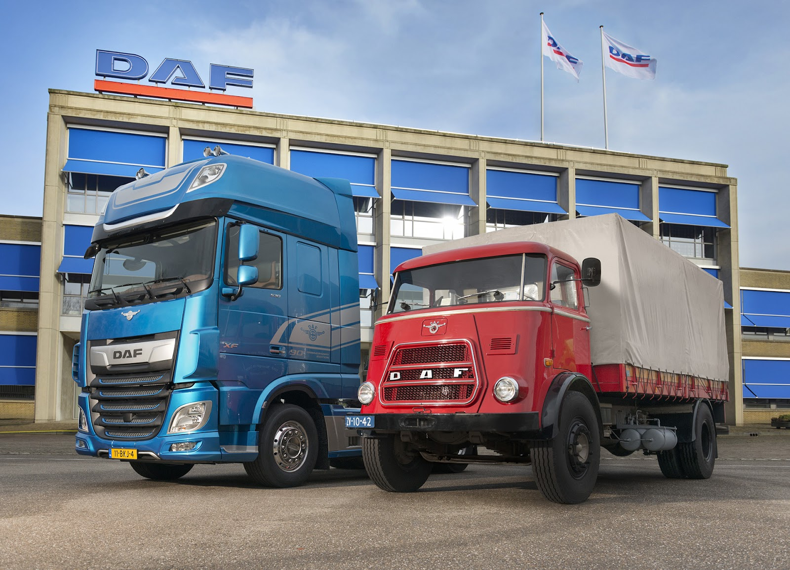 90-Years-of-DAF-DAF-New-XF-and-DAF-A1800