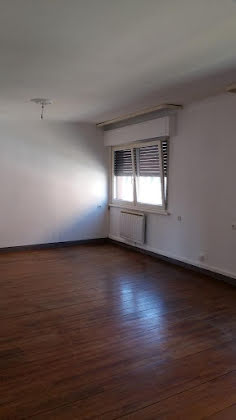 Location appartement 4 pièces 115 m2