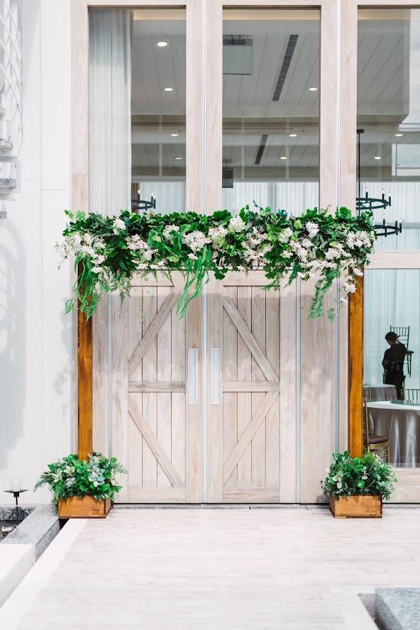 在 台中 的 萊特薇庭 婚禮 場地舉行陽光正好的美式婚禮 , 是每位新娘夢寐以求的西式婚禮樣式!