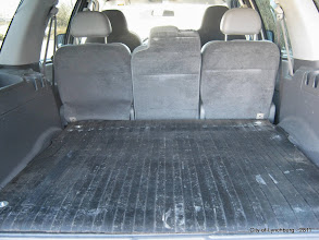 Photo: Lot 9 - (2811-2/3) - 2005 Ford Expedition - 108,221 miles