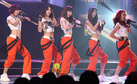 recognizable stage outfit 34