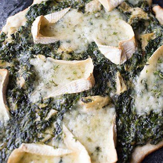 Spinach and Artichoke Chicken Pot Pie Flatbread