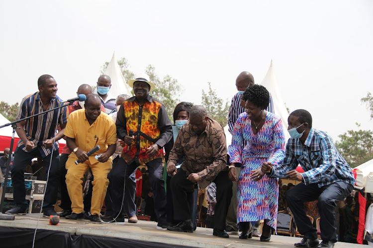 ODM leader Raila Odinga, Homa Bay Governor Cyprian Awiti, MPs Lillian Gogo, Ongondo Were, Elisha Odhiambo and Martin Owino at Ratanga in Ndhiwa constituency on February 2021