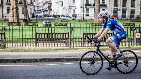 Recordpoging: in 80 dagen fietsend de wereld rond