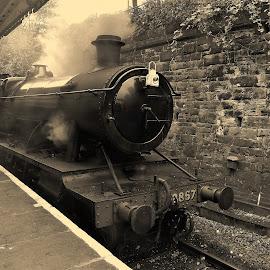 Engine  talk by Gordon Simpson - Transportation Trains