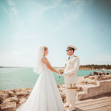 Wedding photographer Elena Batkova (batkova). Photo of 22.11.2014
