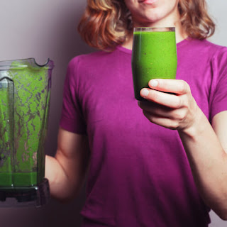 This Green Flax Smoothie Will Remove Over 33 Pounds of Toxic Waste Matter In Your Colon