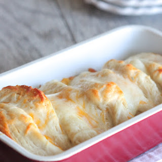 Cheesy Garlic Toast Pull Apart Bread